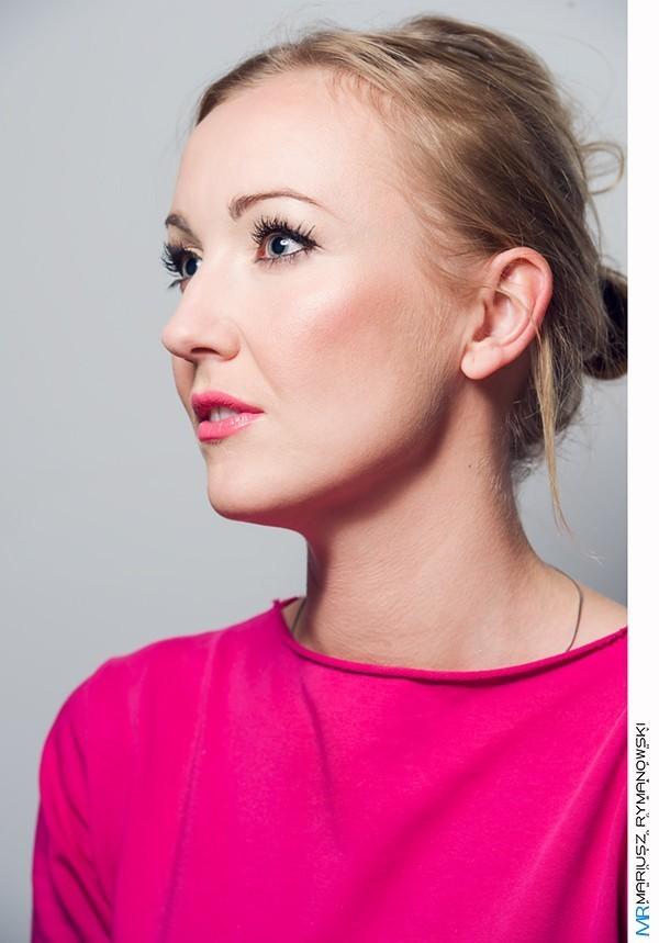 postret z profila
