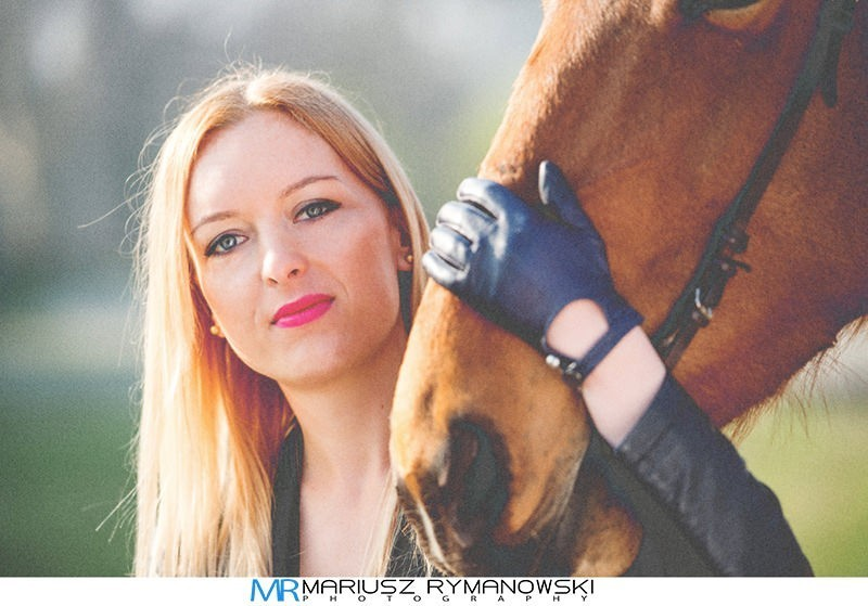 kobieta z koniem